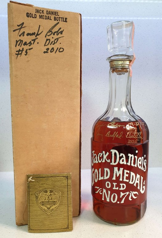 Original Jack Daniels Gold Medal Bottle from 1971 - Half Gallon 90 Proof.jpg