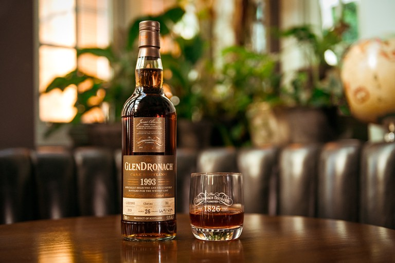 GlenDronach 392 on Table